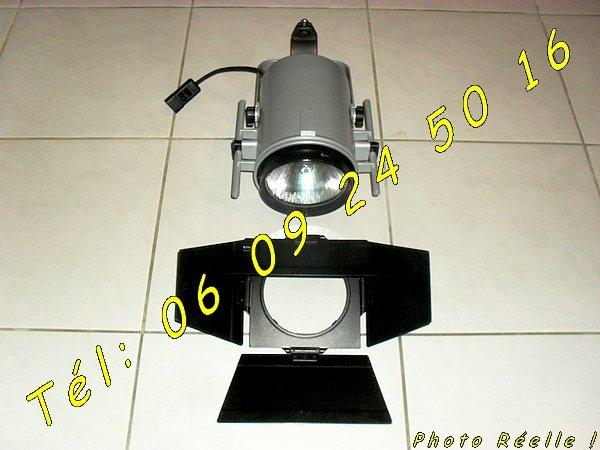 lot de spots luminaire projecteur professionnel erco 70525 colomiers montauban auch albi. Black Bedroom Furniture Sets. Home Design Ideas