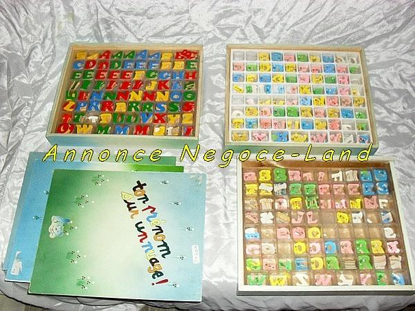 Image 3 Coffrets avec lettres alphabétiques en bois [Petites annonces Negoce-Land.com]