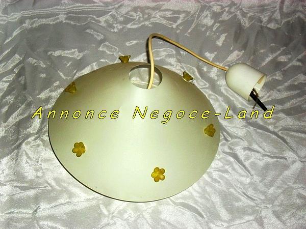 Image Lampe plafond Arditi couleur Ivoire avec fleurs [Petites annonces Negoce-Land.com]