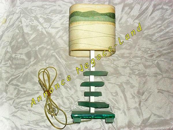 Image Lampe Haute verte & crème avec pied en Verre Opaque [Petites annonces Negoce-Land.com]