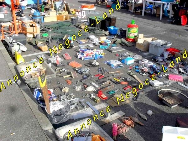 Image Vrac Outil de bricolage niveau scie colle mastique [Petites annonces Negoce-Land.com]