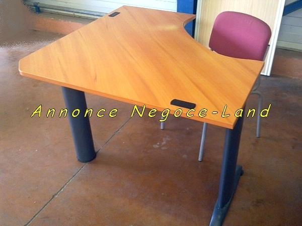 Beau bureau en bois arrondi negoce land