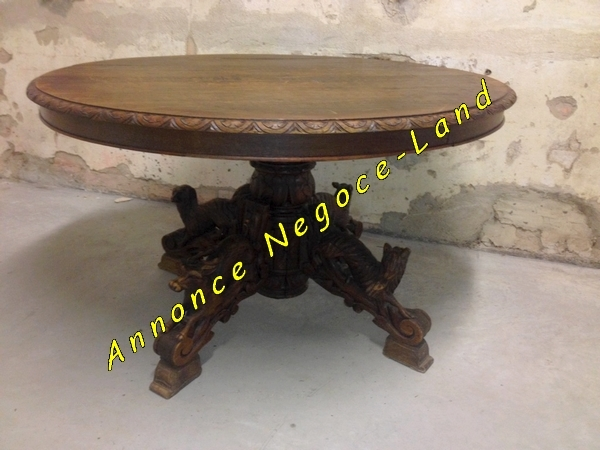 table ancienne ovale en ch ne avec pieds sculpt s main. Black Bedroom Furniture Sets. Home Design Ideas