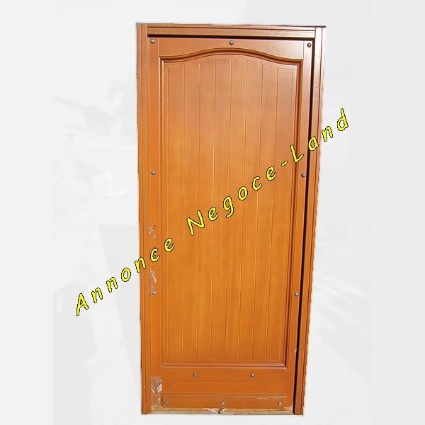 porte d entr e en bois 215cm x 90cm neuve. Black Bedroom Furniture Sets. Home Design Ideas
