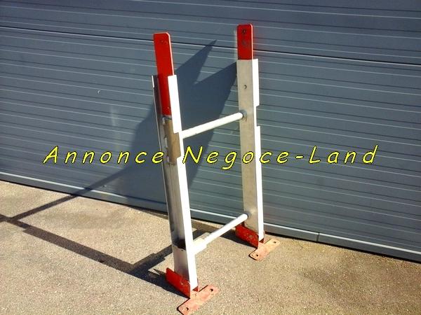 Image Echelle départ de monte matériaux lève tuiles Altrad [Petites annonces Negoce-Land.com]
