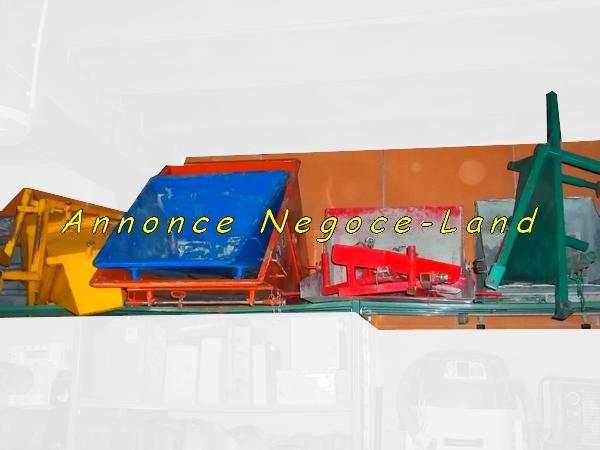 Image Lot Bennes béton de monte charge de maçon [Petites annonces Negoce-Land.com]