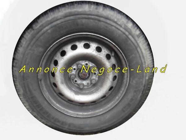 Image Roue complète pour Peugeot Expert - Citroën Jumpy - Fiat Scudo [Petites annonces Negoce-Land.com]