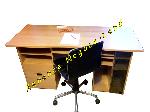 Beau bureau bois propre et impeccable + chaise roulante offre Aménagements [Petites annonces Negoce-Land.com]